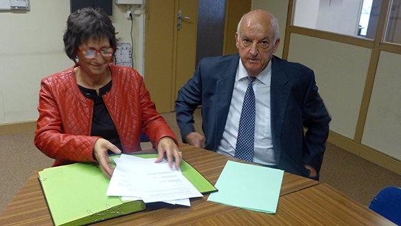 De gauche à droite : Isabelle RUCHAT, Présidente de la Fédération Départementale Familles Rurales (64), Francis DUFAU, Vice-Président de l'association Parcours Confiance Aquitaine Poitou-Charentes